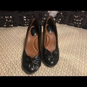 Black Clark's Artisan comfortable shoes